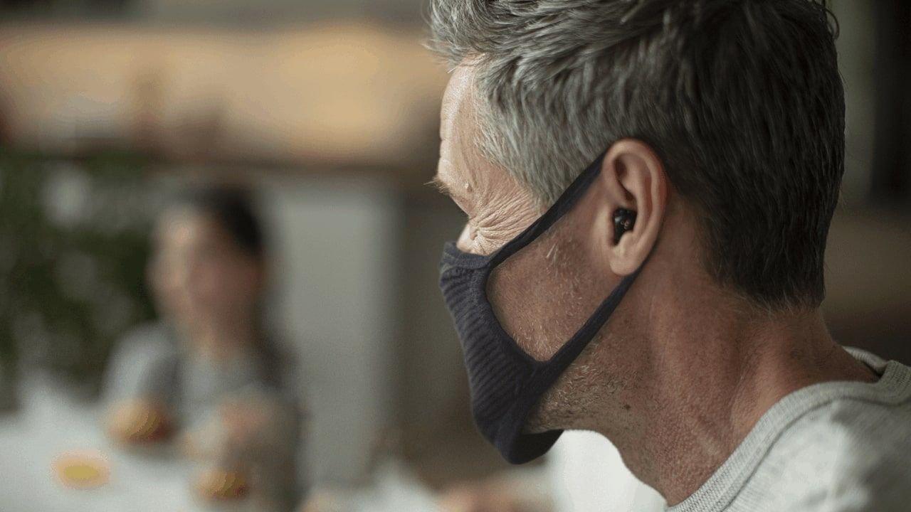 mask with hearing aid